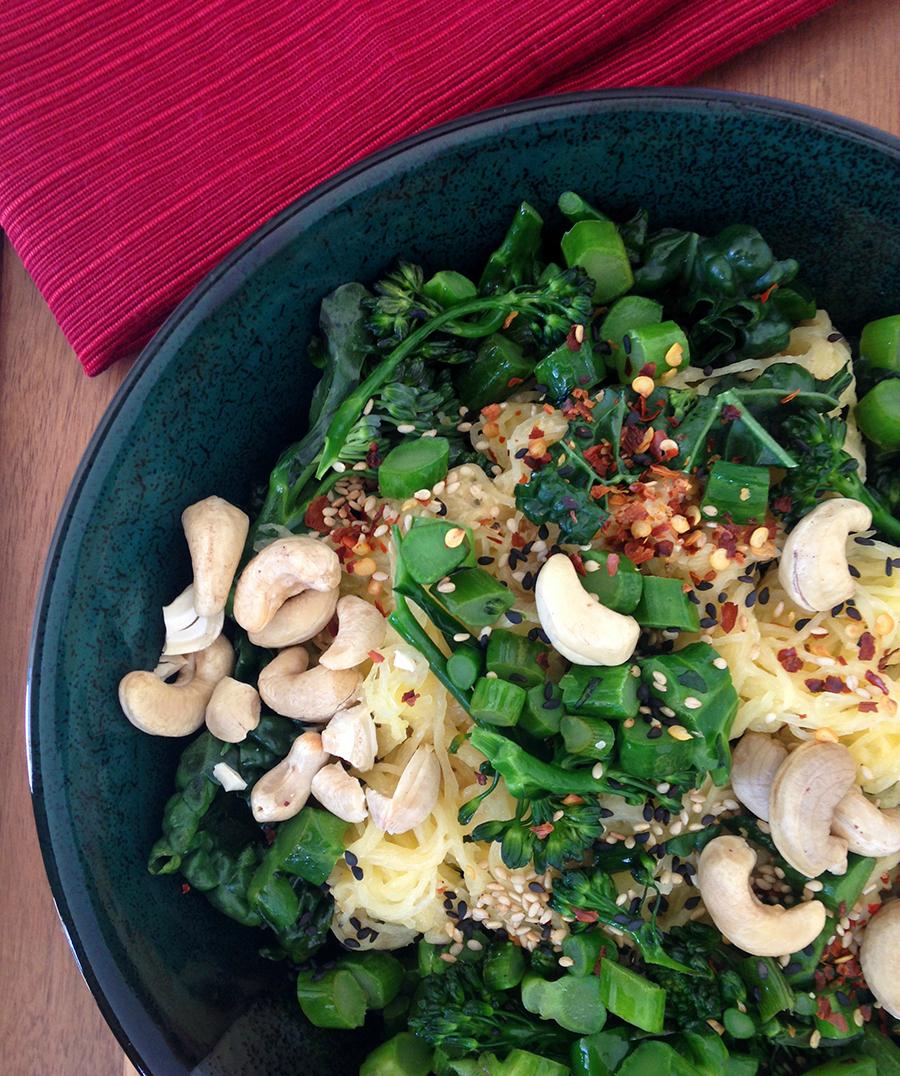 Spaghetti Squash Yoga Bowl (Paleo & Vegan) | GrokGrub.com