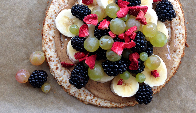 Fruity Coconut Breakfast Tart (Grain/Dairy-Free, Paleo) | GrokGrub.com