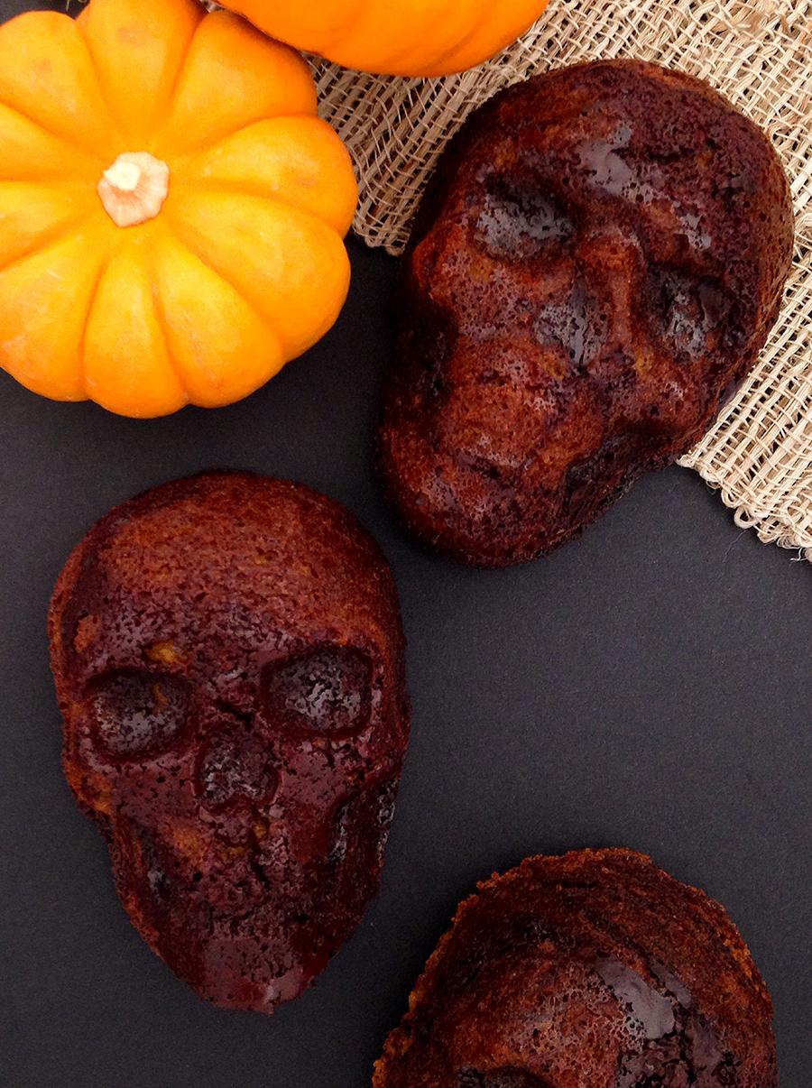 Chocolate Pumpkin Cake Skulls (gluten free, grain free, dairy free) | Fresh Planet Flavor #paleo #glutenfree #healthy