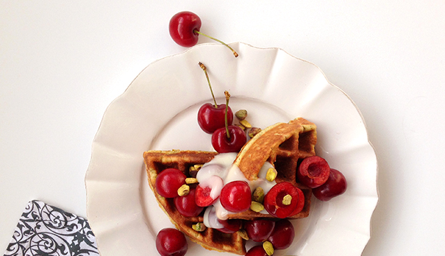 Pistachio Waffles (grain-free, gluten-free, paleo) | GrokGrub.com