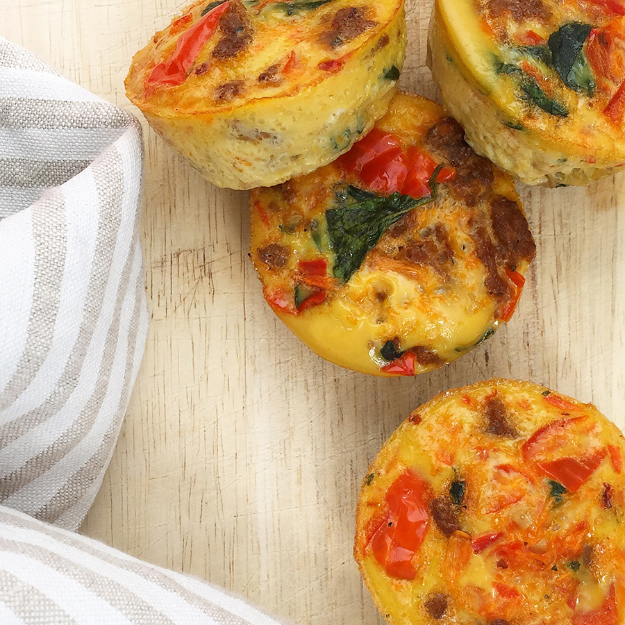 Mini Quiche: tiny, healthy, portable snack or breakfast option (dairy free, gluten free, paleo) | GrokGrub.com