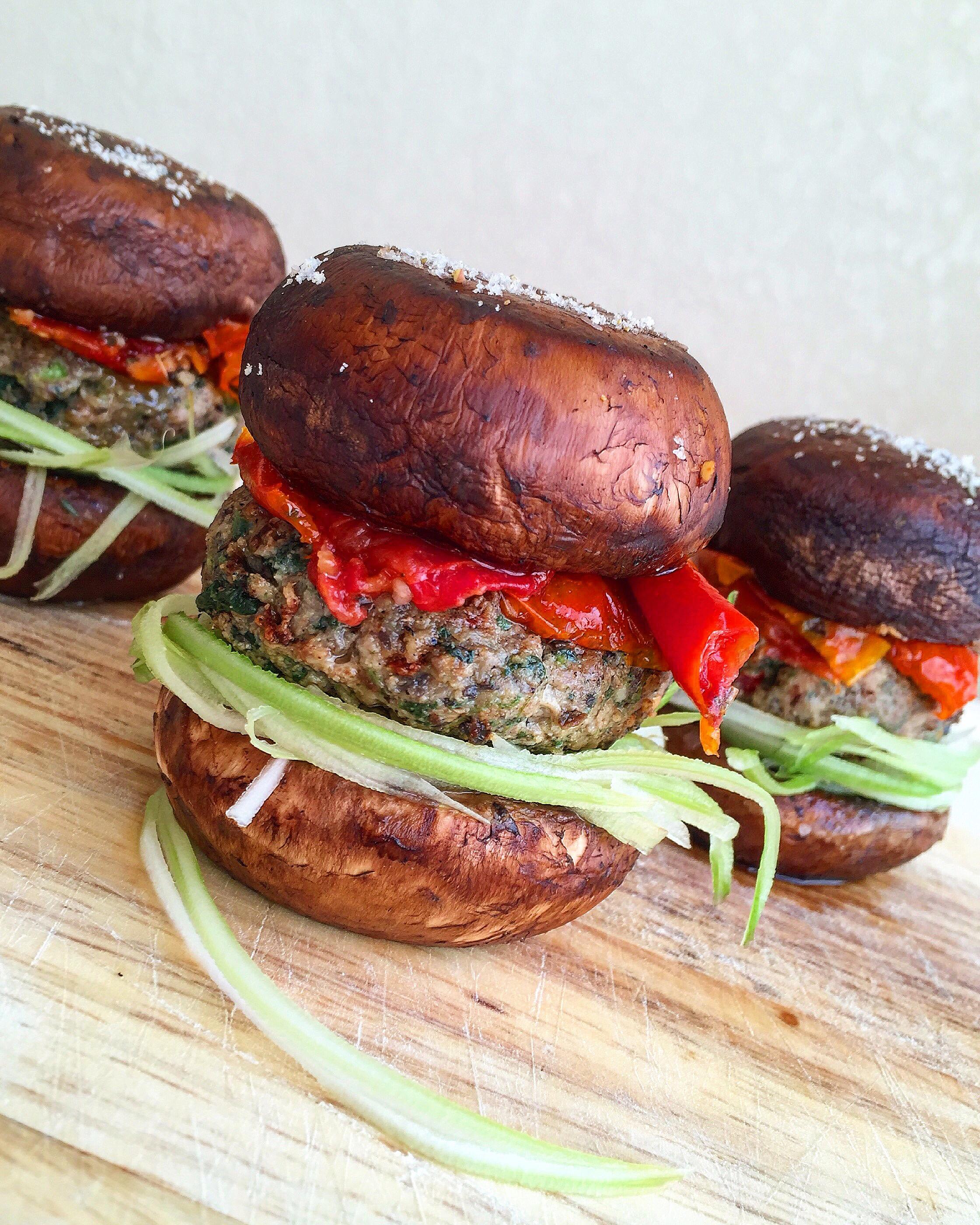 Green Pork Sliders - made with spinach, celery, mushrooms and onion for a veggie-heavy twist on savory pork sliders! | GrokGrub.com