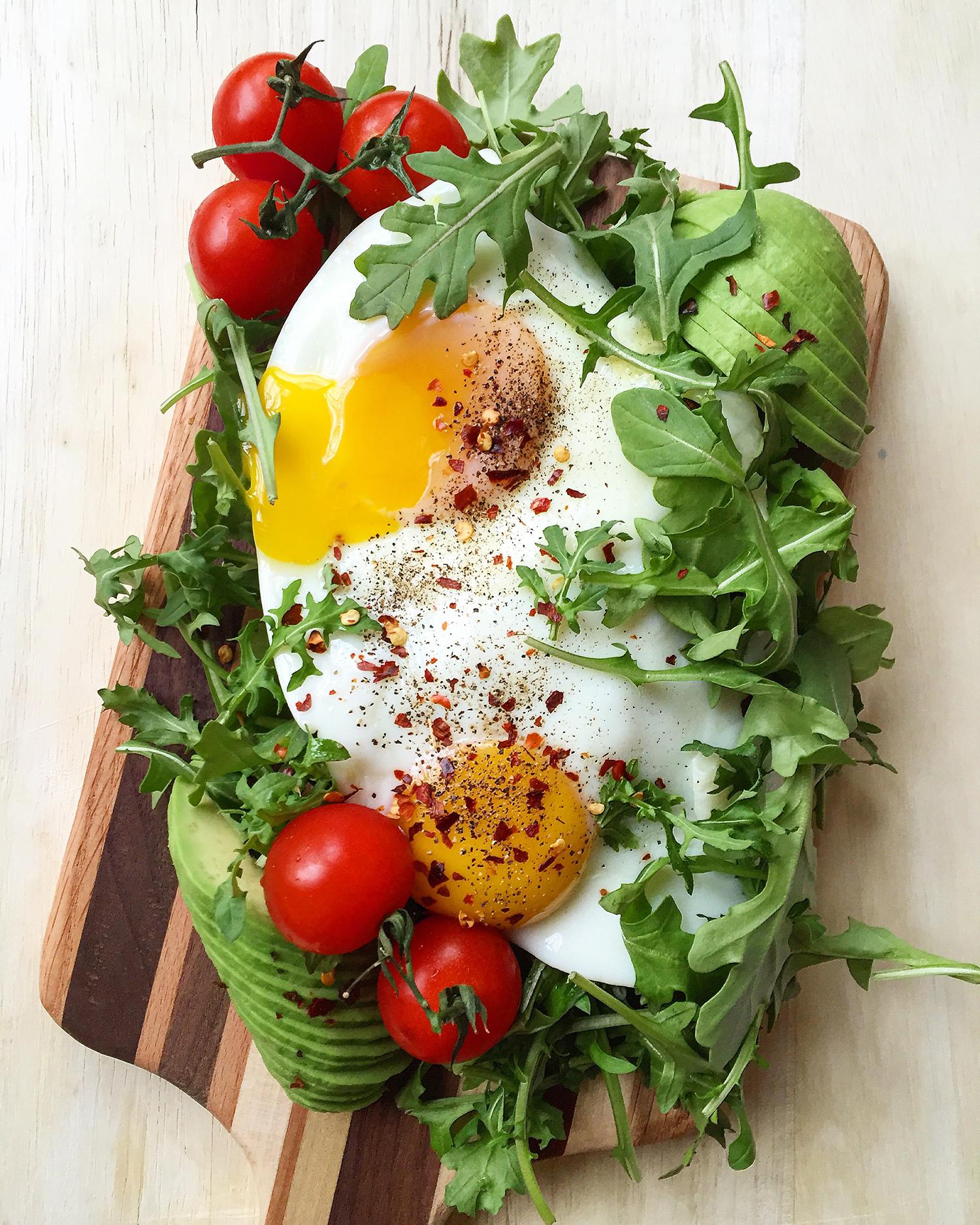 Fit Chick Meal Plan: breakfast. Enjoy Lauren's simple, real-food weekly meal plan... plus a bonus pack of Grok Grub recipes!