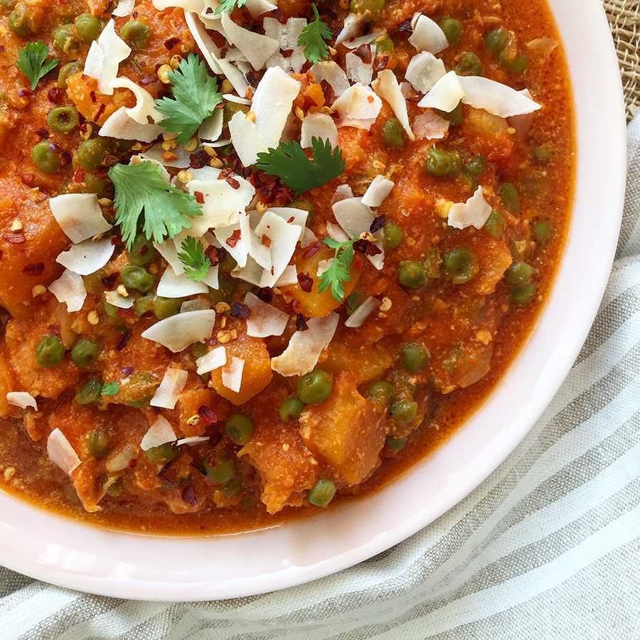 5 Minute Slow Cooker Curry (just five minutes of prep and you're done!) | GrokGrub.com