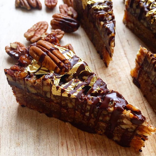 Brown Butter Chocolate Pecan Bars (gluten-free, grain-free)| GrokGrub.com