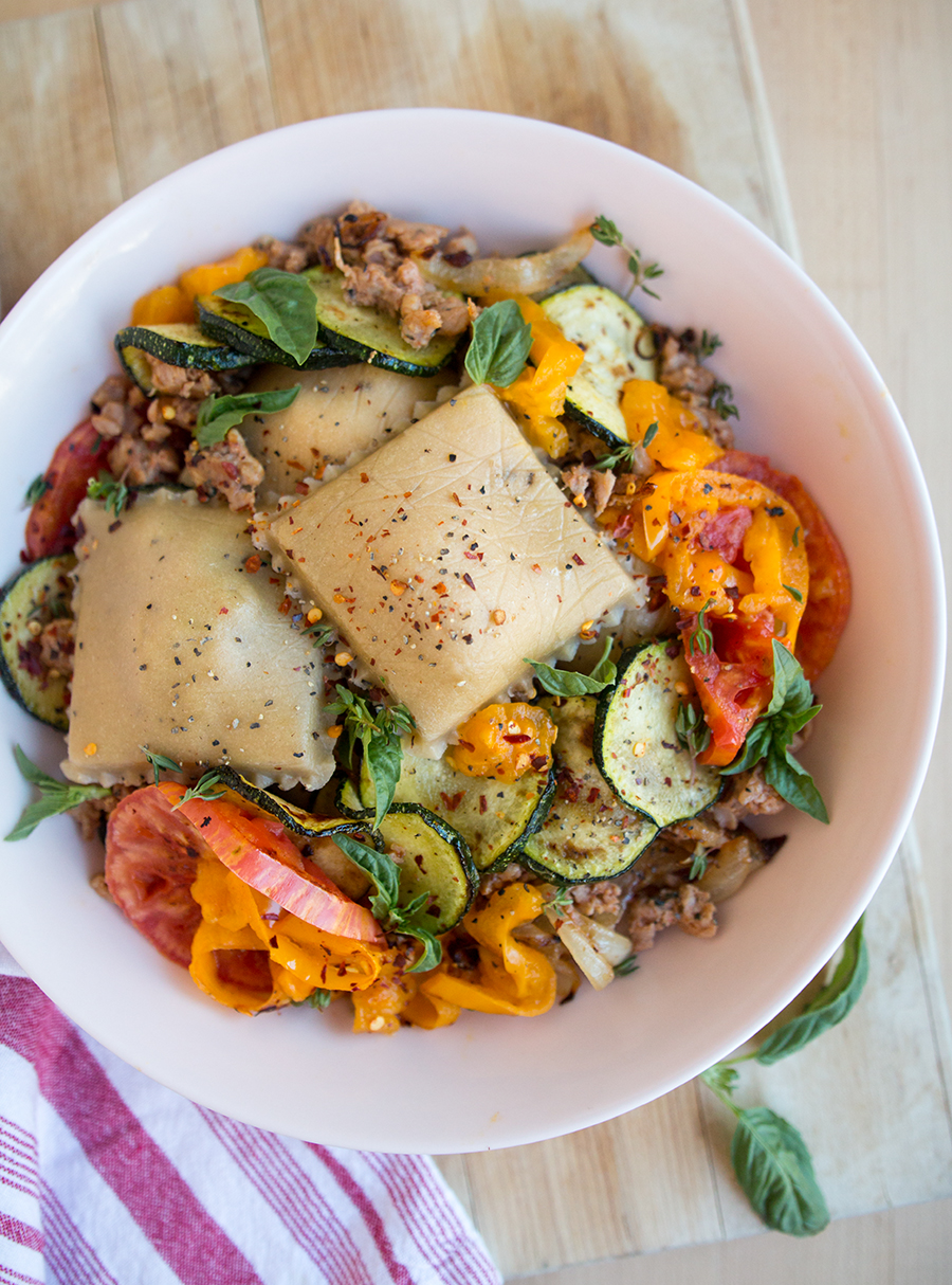 These Date Night Spicy Sausage Stuffed Ravioli are too delicious for words! Paired with fresh seasonal vegetables and flavorful herbs... | Fresh Planet Flavor